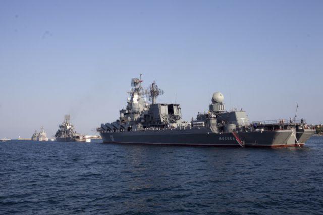 РФ проводит учения вКаспийском иЧерном морях