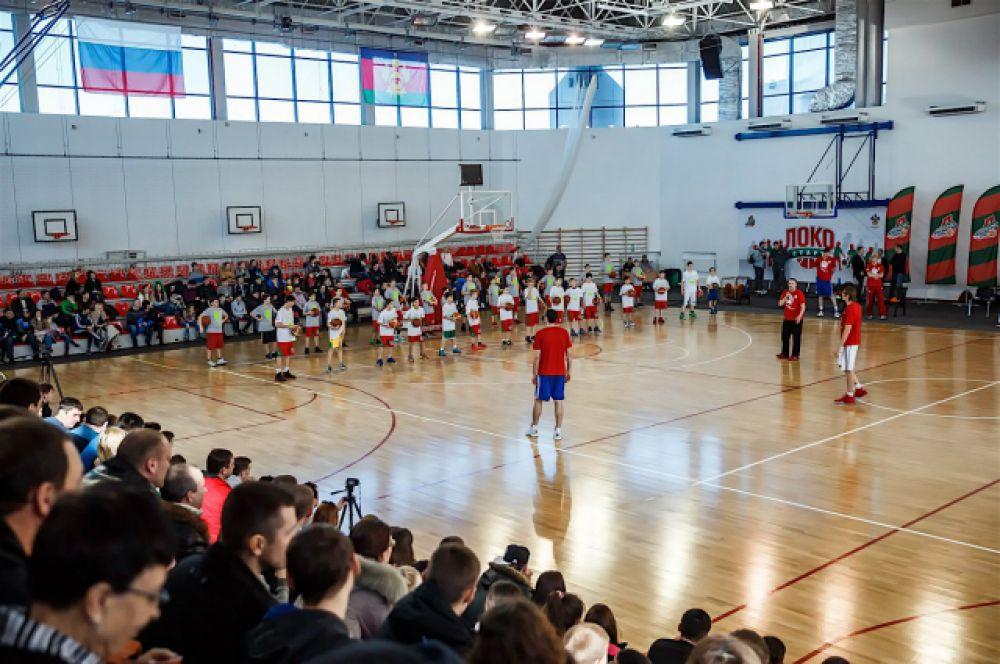 Мастер-класс президента Российской баскетбольной федерации был открытым и бесплатным.