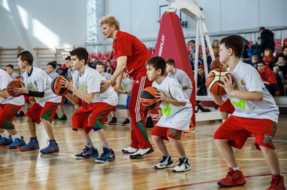 В Центр спортивной подготовки по баскетболу ПБК «Локомотив-Кубань» берут с ребят 8 лет.