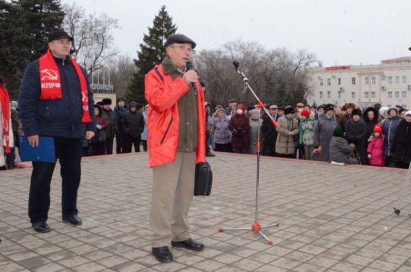 Митингующие вновь заговорили о возвращении Волгодонску льгот 30-километровой зоны АЭС.