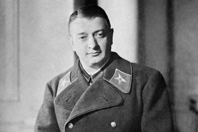 Михаил Тухачевский.