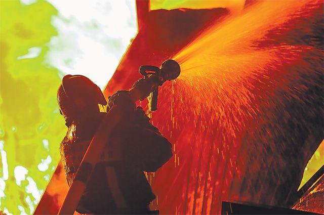 В 2015 г. произошло 145,6 тыс. пожаров - почти на 5% меньше, чем в 2014 г.