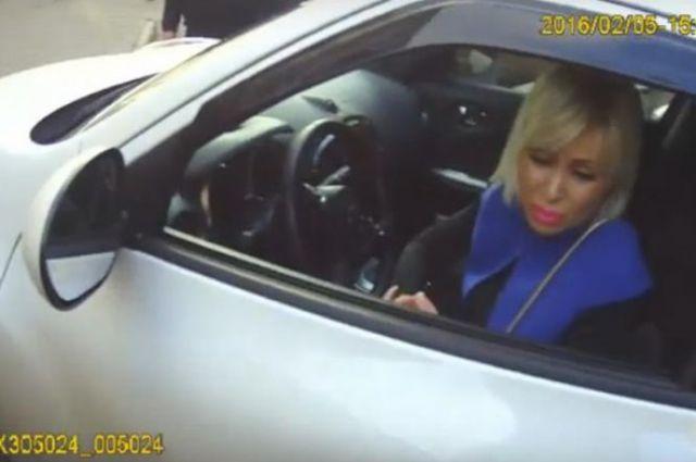 Правонарушительница нецензурно выражалась в сторону полицейского