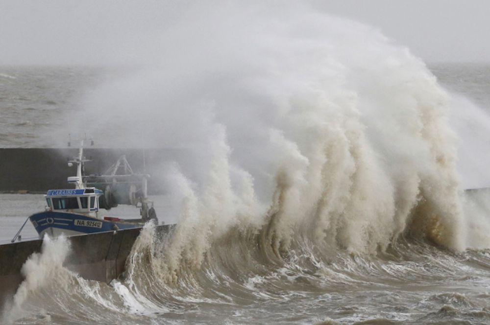 Рыбацкая бухта, Порник, Франция.