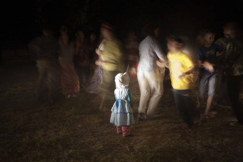 Танцы. Фестиваль казачьей культуры «Золотой щит – казачий Спас»