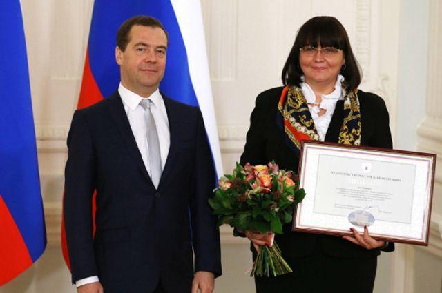 19 февраля 2015-го глава города Беспалова получила из рук премьера диплом победителя конкурса за самый благоустроенный город. И вот он, новый подарок – членство в генсовете «ЕР».