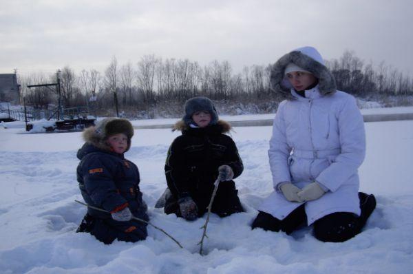 Участник №3.Артём Исаев, Дмитрий Немчинов. Больше всего нас радует зимняя рыбалка!
