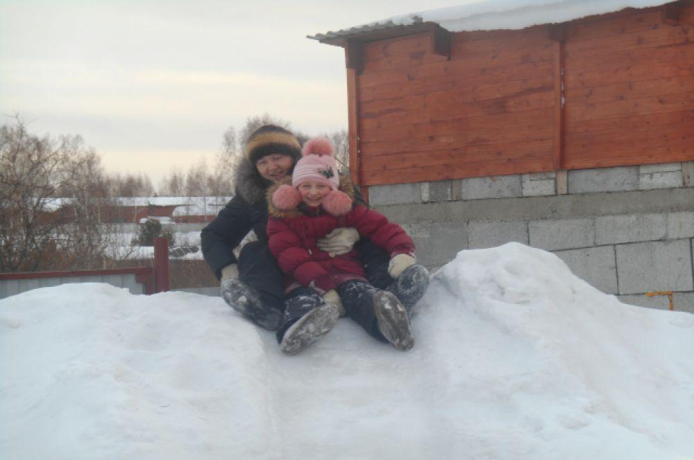 Участник №19. Анастасия Быкова. С наступлением зимы  веселые забавы.