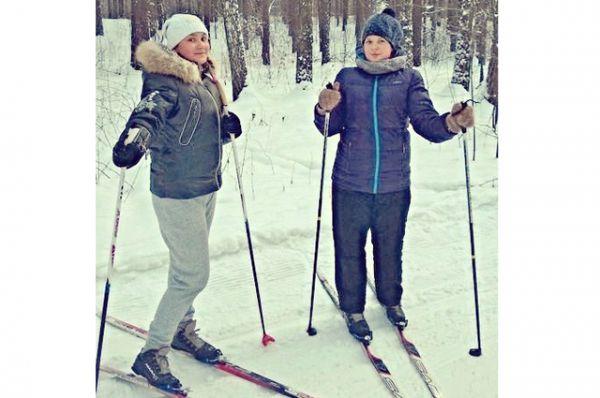 Участник №13. Анна Гаврилова и Анастасия Удачина. Каникулы – это время для игр, развлечений и активного отдыха. Мы очень любим активный отдых поэтому с нетерпением ждем зимних каникул. Мы занимаемся спортом, посещаем секцию баскетбола в нашей школе.