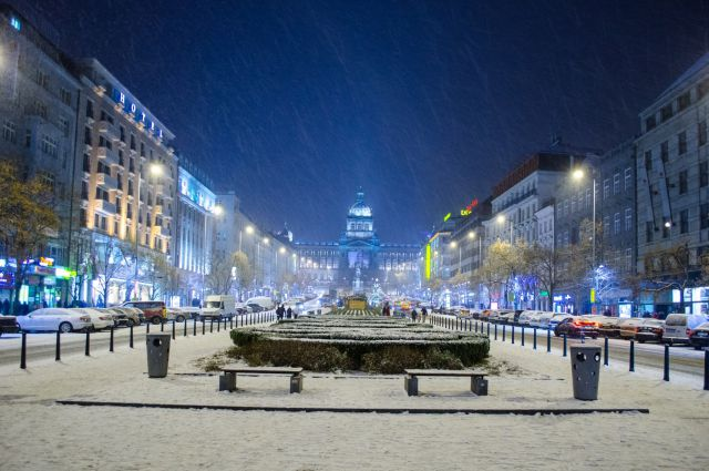 Национальный музей на Вацлавской площади в Праге
