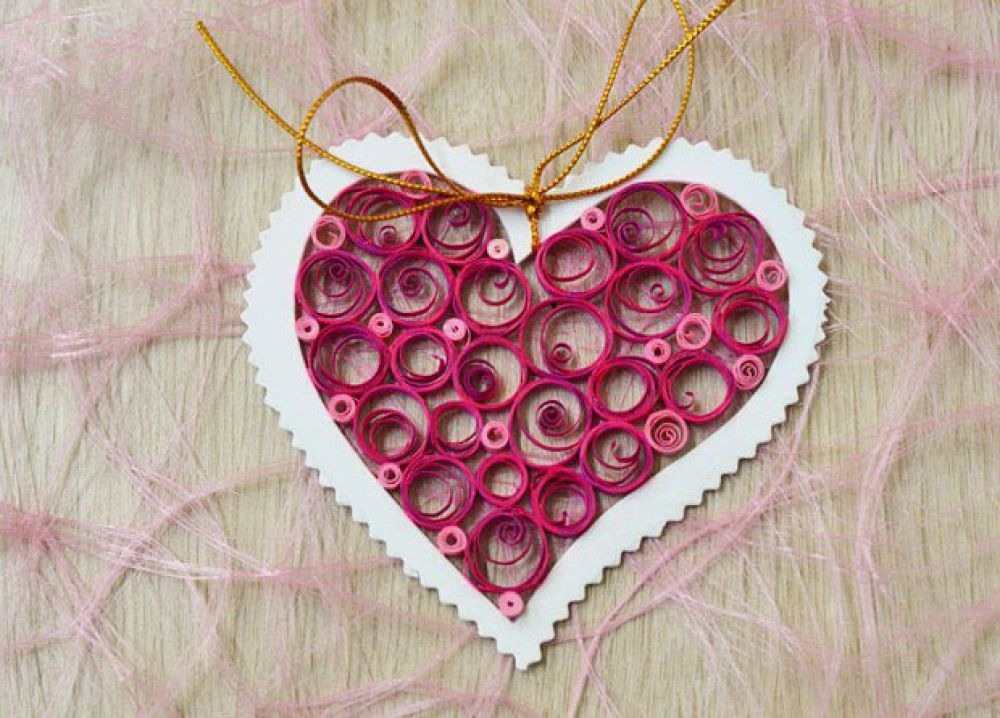 Креативные влюбленные в XXI веке не останавливаются на обычных бумажных открытках, а придумывают все более оригинальные способы признания в любви