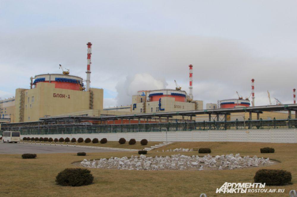 На станции три энергоблока, вырабатывающих электроэнергию. Их суммарная мощность 3070 МВт/ч. В 2015 году АЭС выработала 20,5 млрд кВт-часов электроэнергии, что составляет 10,25% от общего объема произведенной концерном Росэнергоатом.