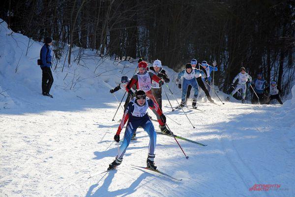 Влюблённые в катание на лыжах после забега  активно участвовали в конкурсах, викторинах и шоу-программе от организаторов.