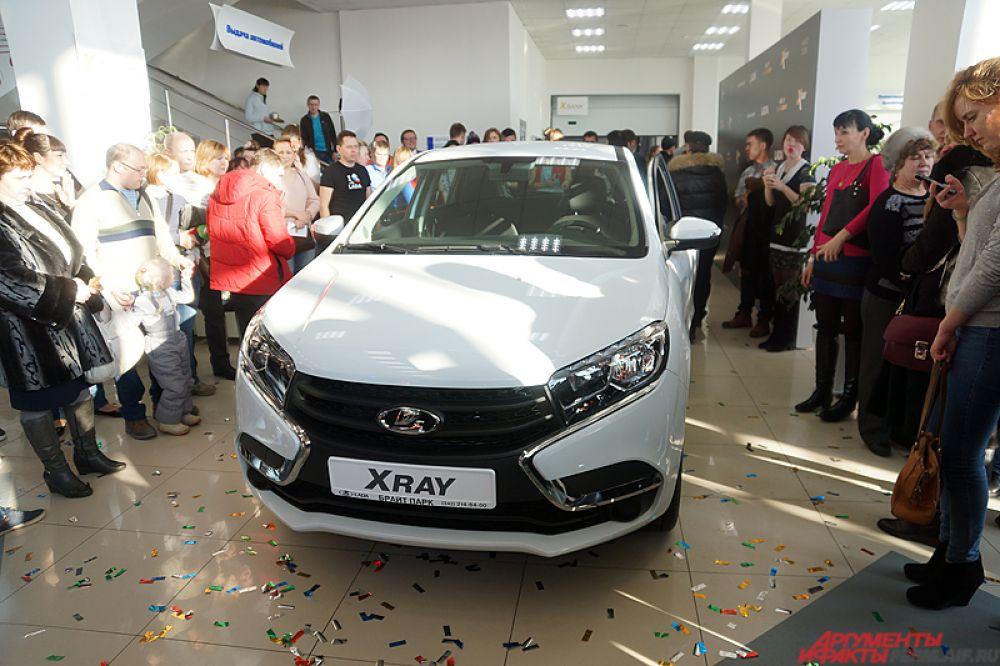 Внешний облик автомобиля разработан в дизайн-центре «АвтоВАЗа» в Тольятти  под руководством директора по дизайну Стива Маттина.