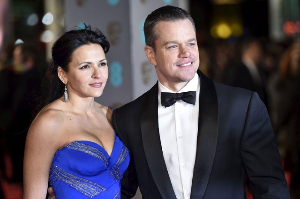 Мэтт Дэймон (номинация за лучшую мужскую роль в фильме «Марсианин») с супругой.