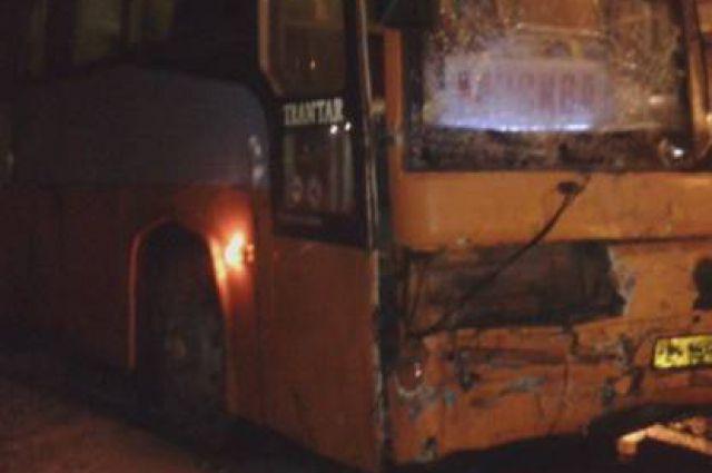 В январе в двух ДТП с участием автобусов пострадали 12 человек, среди них - беременная женщина.