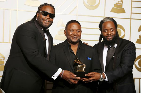 Лучшим альбомом в стиле рэгги был назван «Strictly Roots» группы Morgan Heritage.