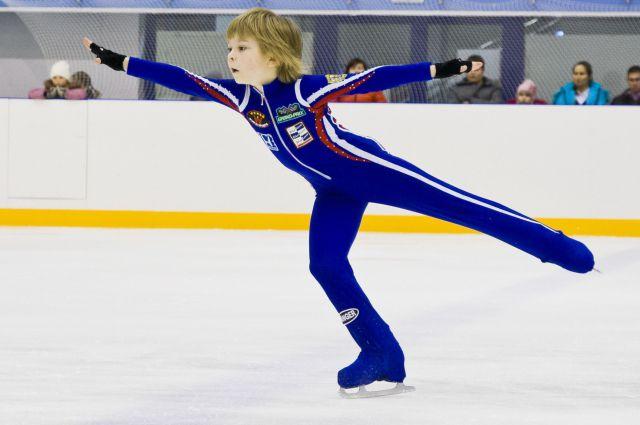 Соревнования проводились среди юношей и девушек младшего возраста.