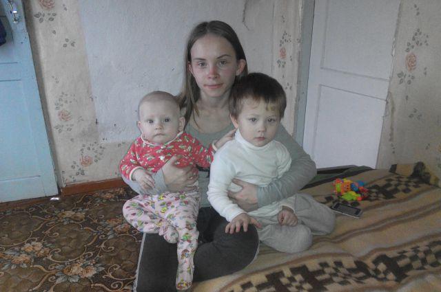 Мария с детьми