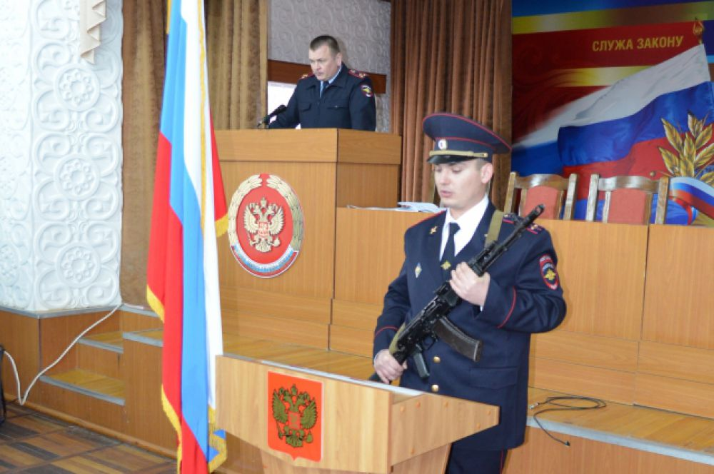 В Межмуниципальном управлении МВД России «Волгодонское» состоялось торжественное собрание, посвященное 96-й годовщине образования Донской милиции.