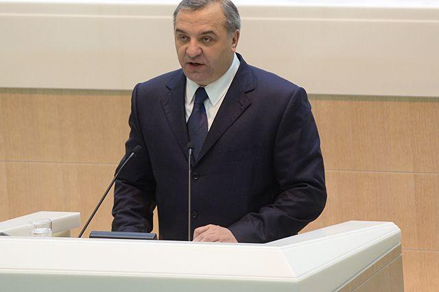 Глава МЧС Владимир Пучков.