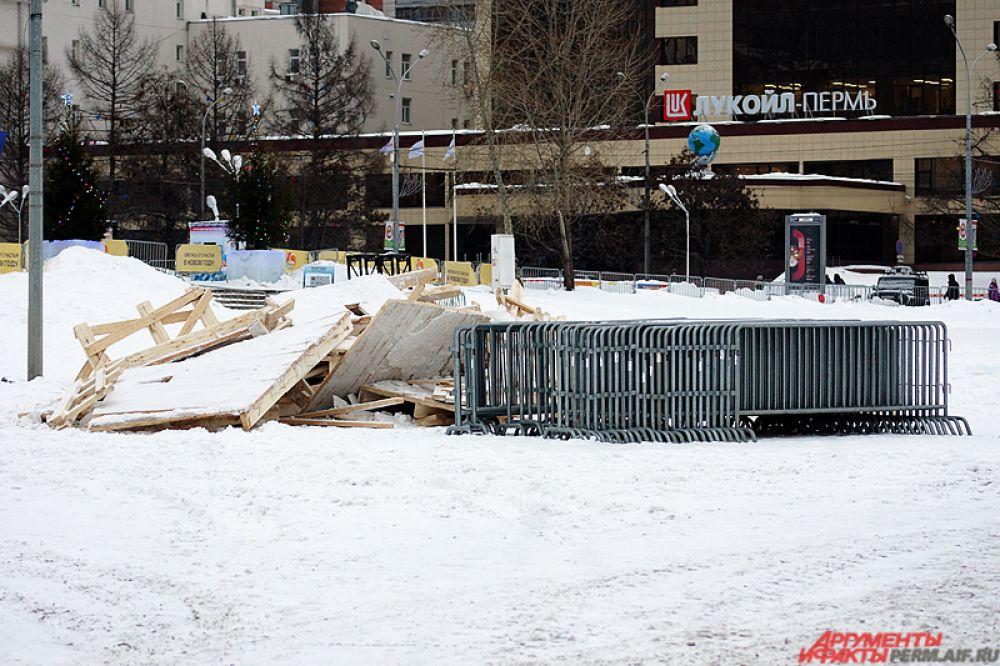 Ледовый городок «Пермь Великая» прекратил свою работу в конце прошлой недели.