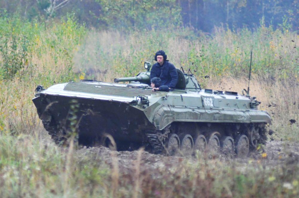 Премьер-министр Украины Арсений Яценюк посетил Международный центр миротворчества и безопасности Академии Сухопутных войск на Яворовском полигоне во Львовской области, 2014 год.