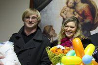 Виктория и Александр Егоровы - счастливые родители тройняшек.