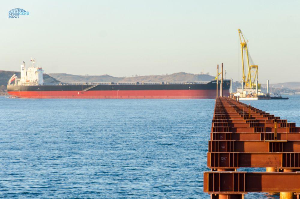 Керчь-Еникальский канал останется открытым для движения судов.