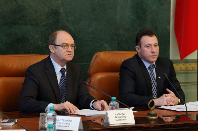 Владимир Назаров и Игорь Холманских на совещании в Челябинске.