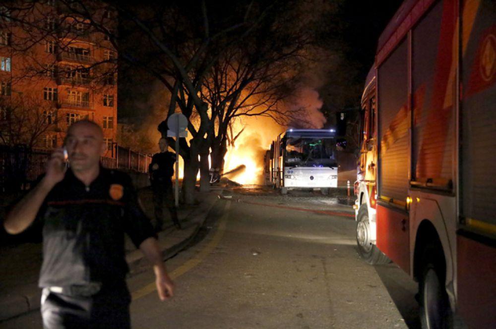 После взрыва начался сильный пожар.