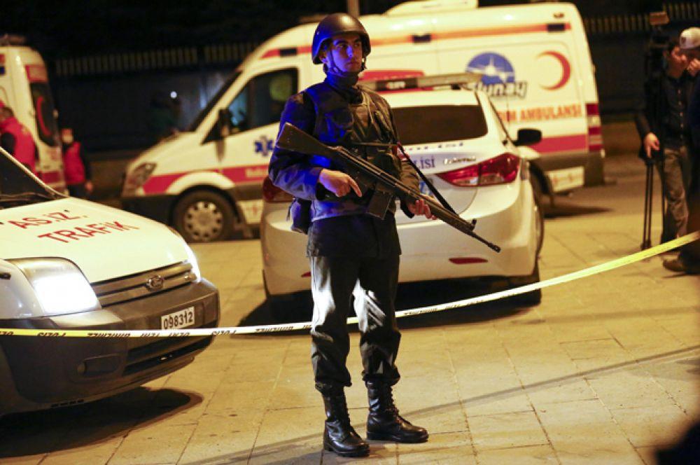 Район теракта сразу же был оцеплен полицией.