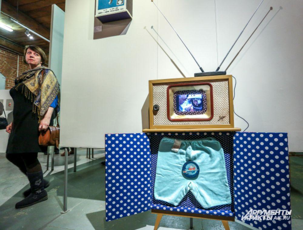 """""""Женщина в космосе"""": видео полета Валентины Терешковой и небесно-голубые рейтузы."""