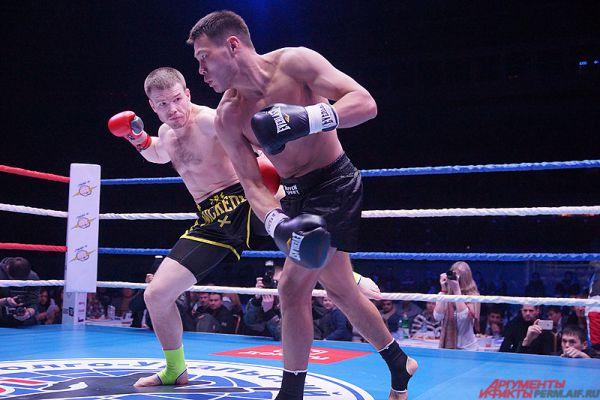 Любимец пермский публики Максим Смирнов в 4-раундном поединке победил соперника из Кыргызстана.