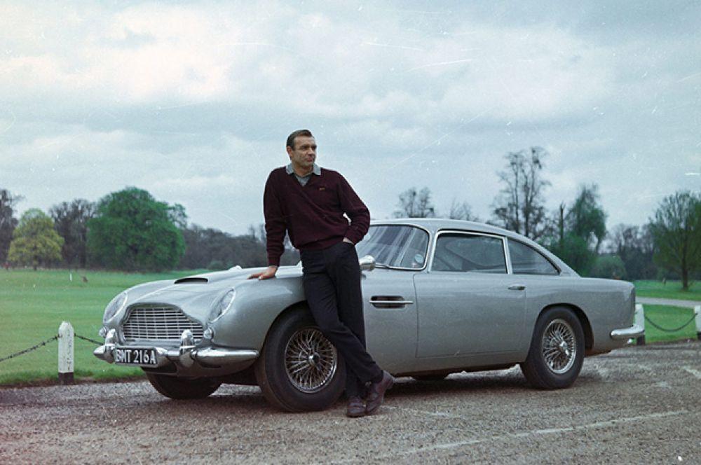 Ещё один легендарный Aston Martin DB5 1964 года выпуска, которым управлял первый агент 007 Шон Коннери в фильмах «Голдфингер» и «Шаровая молния», был продан американскому коллекционеру на аукционе в Лондоне за 3 миллиона евро.