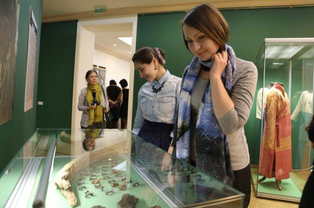 На выставку привезли более 2 тысяч экспонатов из 7 музеев.