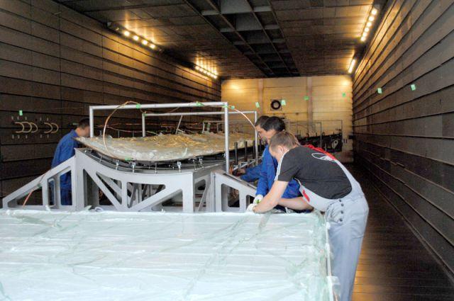 В цехах завода «АэроКомпозит-Ульяновск». Подготовка волокна к пропитке.