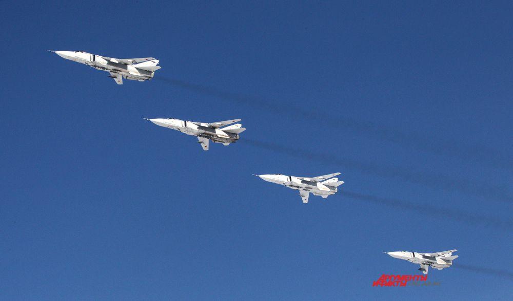 Фронтовые бомбардировщики СУ-24 в челябинском небе