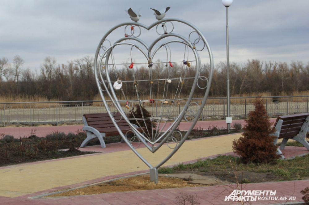 Сюда приезжают отмечать свадьбы с Волгодонска и близлежащих населенных пунктов.