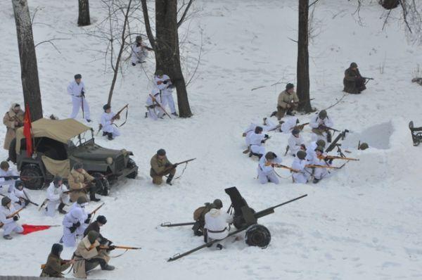 На поле боя была подлинная военная техника