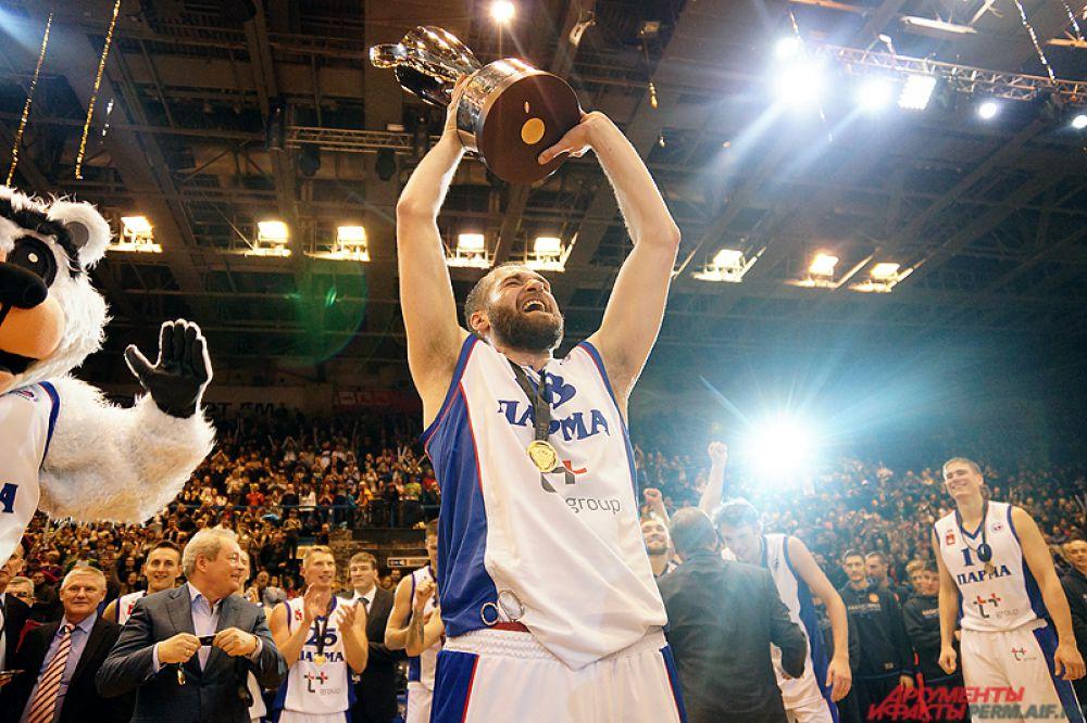 Самым результативным игроком в составе «Пармы» с 21 очком в активе стал Александр Винник.