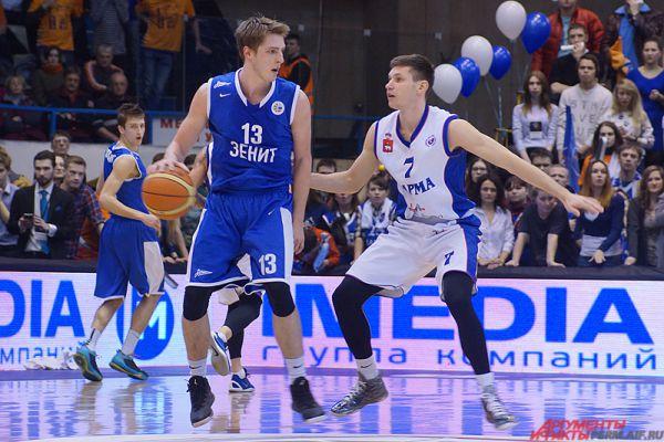 Уступив в первой четверти (19:25), пермские баскетболисты, которых вперёд гнали переполненные трибуны УДС «Молот», совершили ощутимый рывок во второй четверти – 31:10.