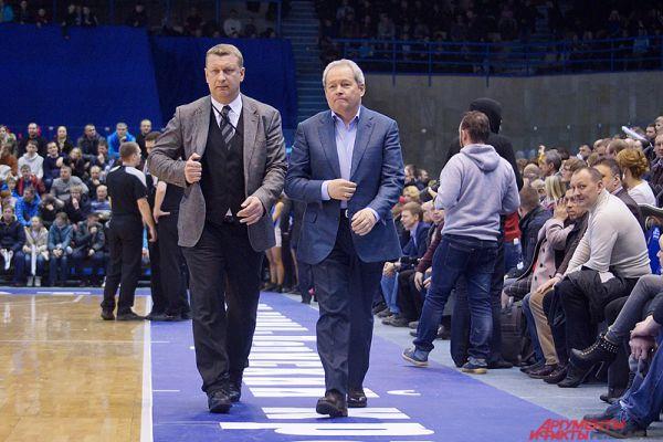 На матче присутствовали первые лица края, в том числе и губернатор региона Виктор Басаргин.