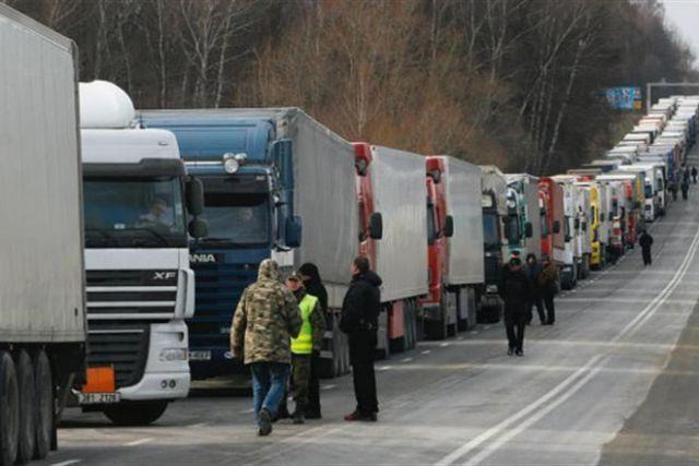 Мининфраструктуры работает над решением вопроса с транзитом грузов по РФ