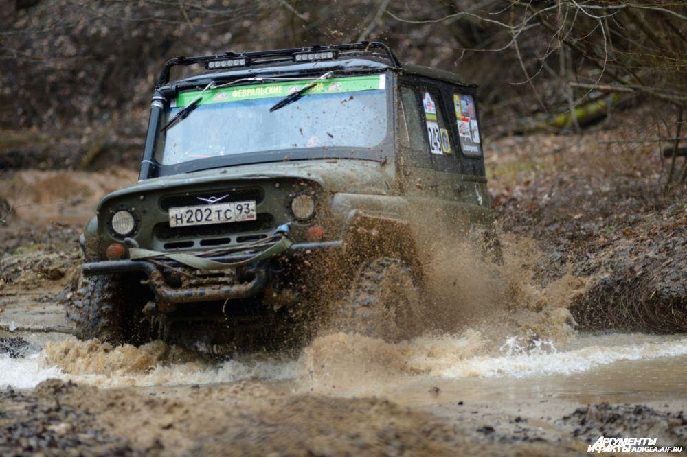 3 место в категории ТР2 – экипаж № 243, Юрченко Владимир и Орлов Алексей, Апшеронск, УАЗ-469.