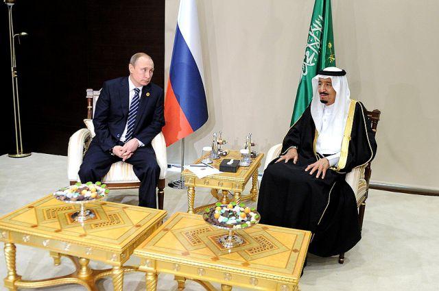 Президент РФ Владимир Путин и король Саудовской Аравии Салман Бен Абдель Азиз Аль Сауд
