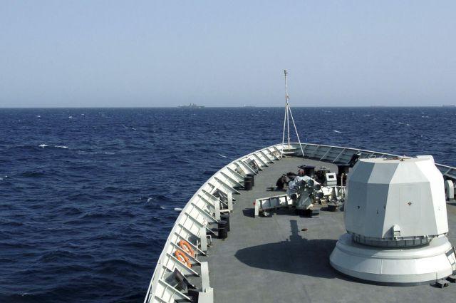 00:18 2 83  СМИ пираты в Нигерии захватили в заложники россиянинаПреступники напали на нефтяное судно в Гвинейском