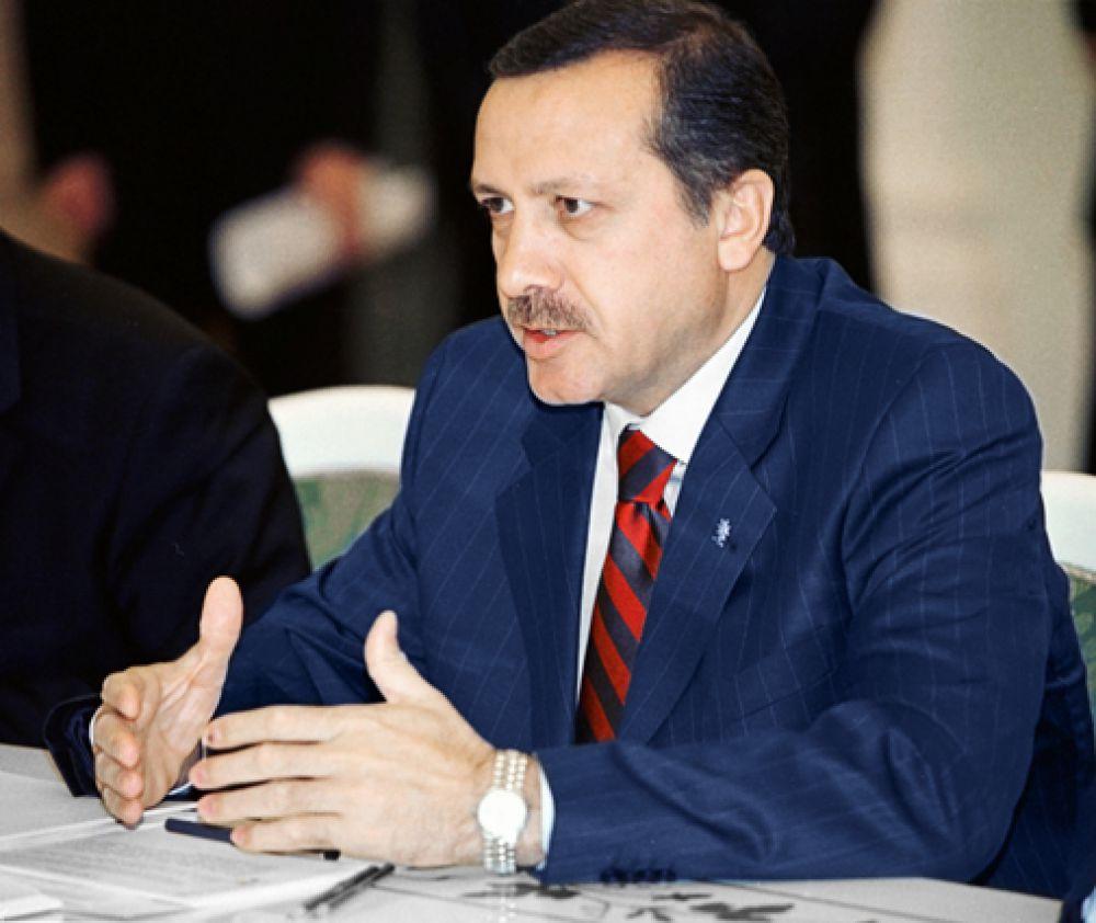 Лидер правящей в Турции партии справедливости и развития (ПСР) Тайип Эрдоган, 2002 год.