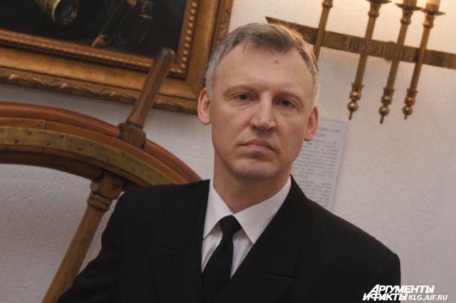 Капитан «Крузенштерна» Михаил Новиков.
