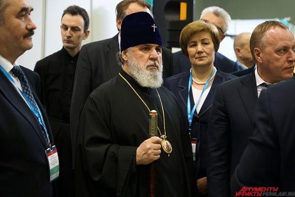 Также на открытии форума присутствовали представители других религиозных конфессий.
